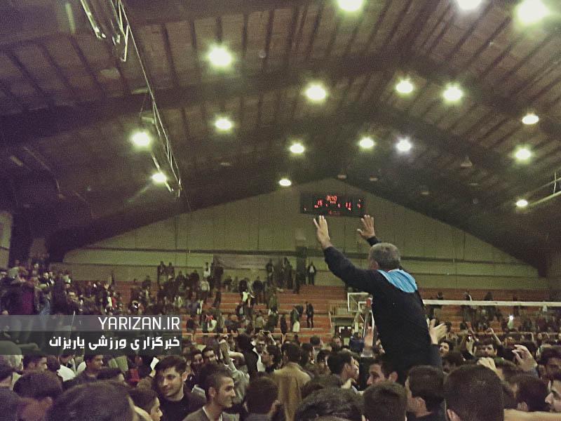 تیم های والیبال مقاومت فرمانداری مهاباد و فولاد ویان همدان در مقابل هم قرار گرفتند و تیم ...