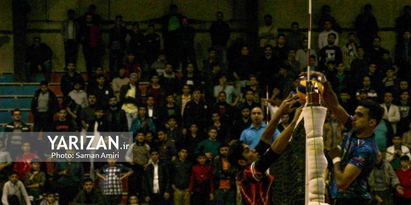 تیم های راهیاب ملل مریوان و وحدت مهاباد مقابل نمایندگان اردکان قرار گرفتند تا چهره هشت تیم صعود کننده به مرحله دوم پلی آف لیگ دسته یک والیبال قهرمانی باشگاه های کشور مشخص شود.