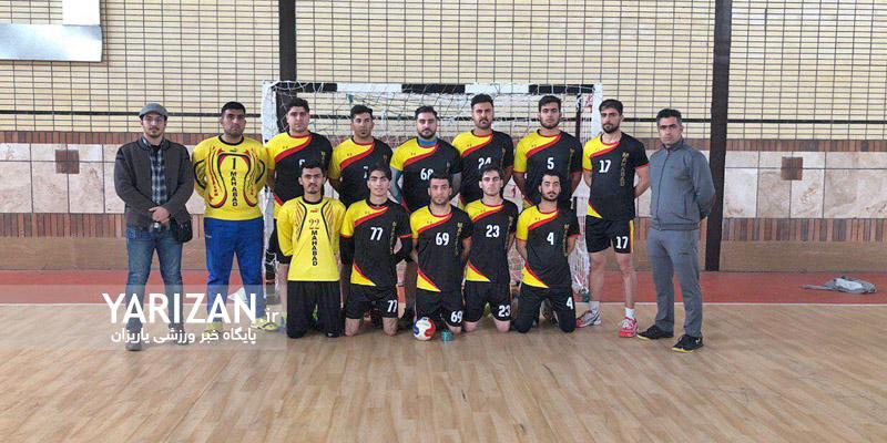 در دیدار فینال گروه چهارم نمایندگان مهاباد و بانه مقابل هم قرار گرفتند تا یکی از این دوبه جمع هشت تیم برتر لیگ دسته سوم هندبال باشگاه های کشور راه یابد.