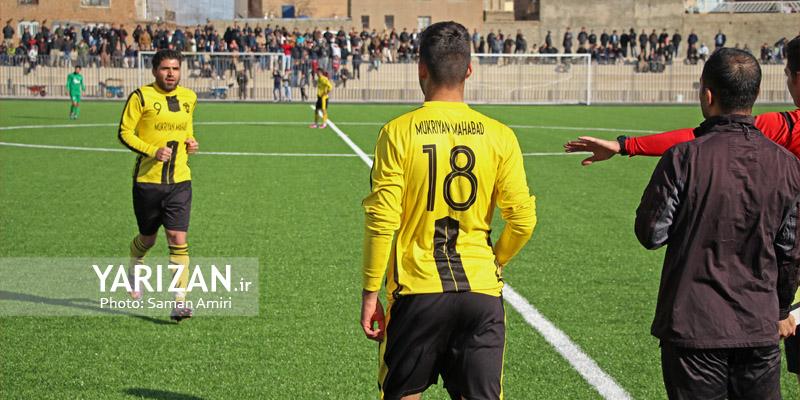 هفته هفدهم لیگ دسته سوم فوتبال ایران در شهر های مختلف پیگیری شد تا تکلیف تیم های صعود و سقوط کننده مشخص شود. در این میان موتور تیم فوتبال موکریان بسیار دیر روشن شد و در ایستگاه ماقبل پایانی توانست با اختلاف میهمان خود را شکست دهد.