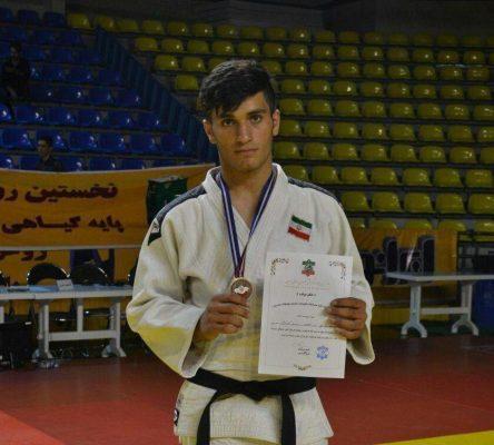 به گزارش یاریزان؛ سینا منوچهری جودوکار خوش آتیه کردستانی از سوی فدراسیون جودو کشور به اولین اردو آماده سازی تیم ملی جوانان کشور در تهران فراخوانده شد.