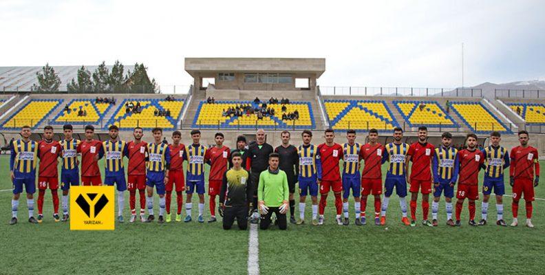 به گزارش یاریزان؛ از طرف هیات فوتبال استان آذربایجان غربی، میزبانی مرحله گروهی رقابت های فوتبال قهرمانی امیدهای آذربایجان غربی در جنوب این استان به دو شهرستان پیرانشهر و میاندوآب واگذار گردیده بود که امروز جمعه 22 آذرماه پرونده این رقابت ها در جنوب استان آذربایجان غربی بسته شد.