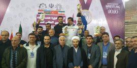 کشتی گیران کردستانی در رقابت های بین المللی جام پوریای ولی با کسب نشان های رنگارنگ، عنوان نایب قهرمانی تیمی این دوره از رقابت ها را کسب کردند.