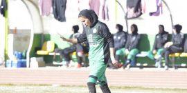 به گزارش یاریزان؛ سمیه خرمی گلزن برتر لیگ فوتبال زنان گفت: سختکوشی «کریستیانو رونالدو» را الگوی خود قرار دادم. حتی با سر شکسته ادامه میدهیم تا قهرمان شویم.