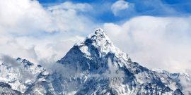 دولت نپال اعلام کرد تمامی ویزاهای توریستی به نپال بدلیل شیوع ویروس کرونا لغو شده و دولت چین اعلام کرد که مسیرهای صعود به اورست از طریق تبت را بسته است.
