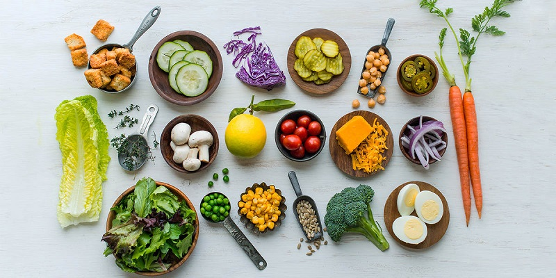 مدیر گروه تغذیه بالینی و استاد دانشگاه تهران گفت: با توجه به پیمایشی که در کشور انجامشده است در زمان کنونی مصرف یک قرص ویتامین D برای بالا بردن ایمنی بدن لازم است.