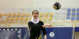 مدیر روابط عمومی هیات هندبال آذربایجانغربی: مبینا حسننژاد، دختر نوجوان اهل شهرستان خوی به عنوان پدیده لیگ برتر هندبال کشور در سال گذشته انتخاب شد.