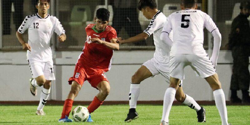 یادگار رستمی فوتبالیست نوجوانان کردستانی با دعوت سرمربی تیم ملی زیر 16 سال کشور به اولین اردوی در تیرماه فراخوانده شد.