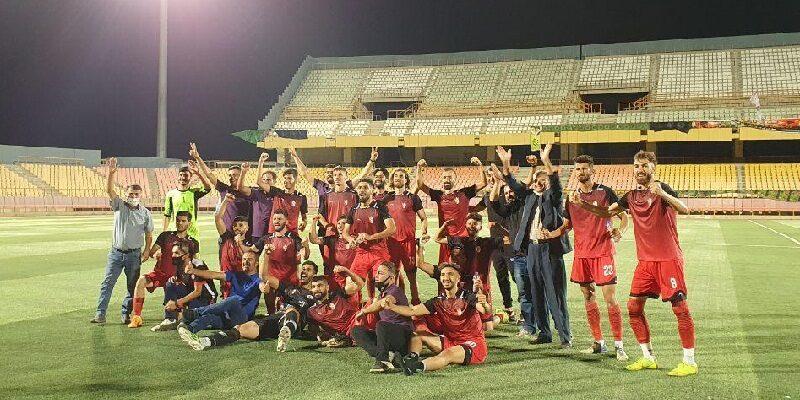 تیم فوتبال سردار بوکان در هفته پایانی لیگ دسته دوم باشگاه های کشور با تساوی مقابل پاس همدان از خطر سقوط رهایی یافت.