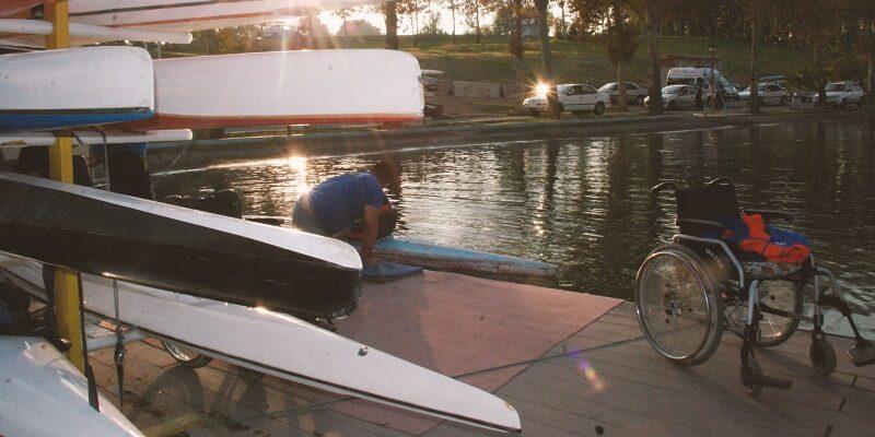 دریاچه آزادی فردا سوم مهرماه میزبان مسابقات پاراکانو قهرمانی ایران با حضور قایقرانان 11 استان در بخش بانوان و آقایان خواهد بود.