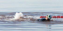مسوول کمیته ثبت رکورد آذربایجانغربی گفت: علی نصیری شناگر ماکویی برای نخستین بار با دست و پای بسته در دریاچه شور ارومیه شنا کرد.