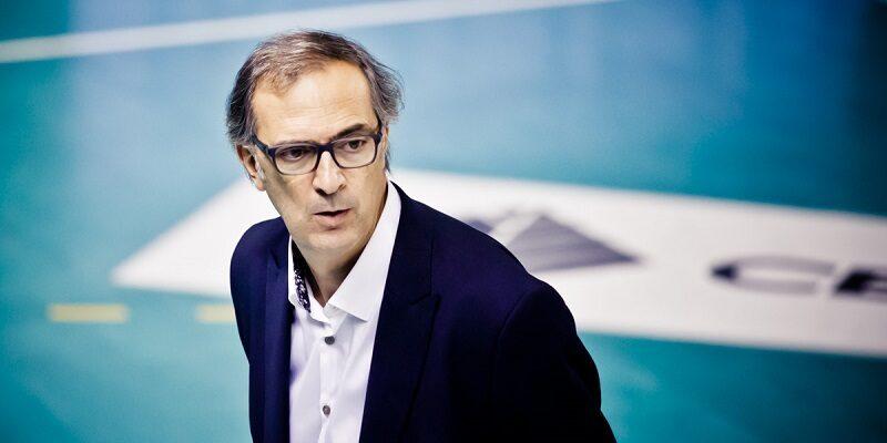 دانیل کاستلانی یکی از گزینههای کمیته فنی برای هدایت تیم ملی والیبال ایران است که دو دوره حضور در بازیهای المپیک را به عنوان بازیکن تجربه کرده و مدال برنز این رقابتها را نیز در گنجینه افتخارات خود آویزان کرده است.