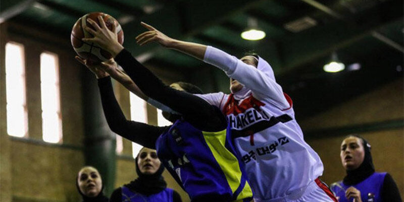 لیگ برتر بسکتبال بانوان در حالی آغاز شد که ۸ بازیکن از دو تیم به کرونا مبتلا شده بودند و دیدار آنها برگزار نشد.