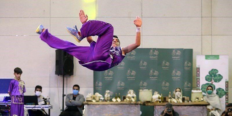 رئیس هیئت ووشو استان آذربایجان غربی گفت: دو ووشوکار آذربایجان غربی توانستند در مسابقات قهرمانی ووشو دانشجویان دانشگاههای کشور که به صورت مجازی برگزار شد به عنوانهای قهرمانی دست پیدا کنند.
