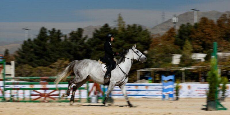 پیست جدید اسب دوانی کرمانشاه در دهکده المپیک به عنوان تنها پیست کورس غرب کشور برای به بهره برداری رسیدن در انتظار حضور سرمایهگذار بخش خصوصی است.
