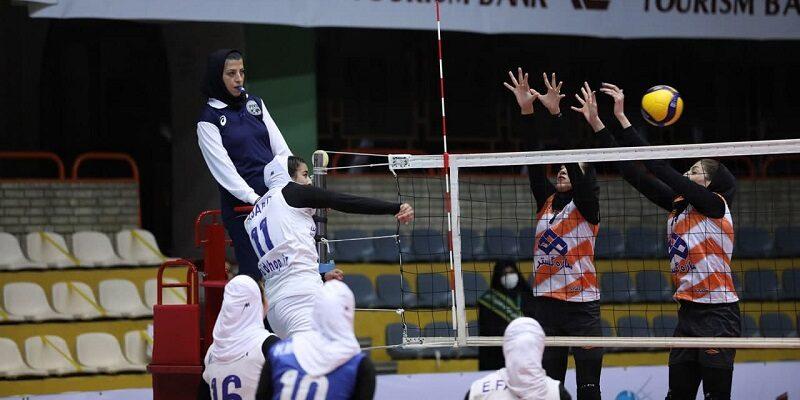 هفته نخست لیگ برتر والیبال متمرکز بانوان با صدرنشینی سایپا تهران در گروه الف به پایان رسید.