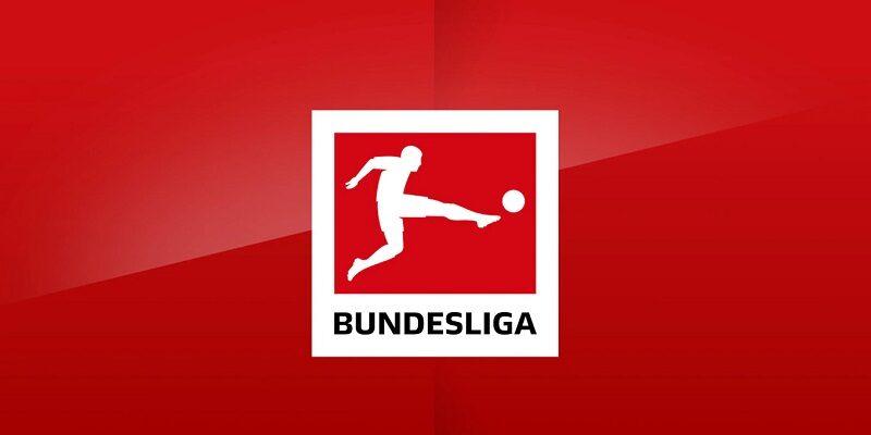 """باشگاههای فوتبال در این فصل بوندسلیگا آلمان، یک میلیارد و ۴۴۸ میلیون یورو از فروش حق پخش تلویزیونی دیدارهای خود درآمد خواهند داشته اند. سازمان لیگ فوتبال آلمان این پول را براساس """"قاعده چهارستونی"""" بین ۳۶ باشگاه تقسیم میکند."""