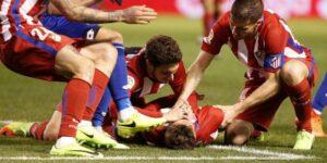 سامانه ثبت مرگ های ناگهانی فیفا (FIFA-SDR) با هدف کسب اطلاعات بیشتر درباره مرگ ناگهانی قلبی در فوتبال، توسط فیفا راه اندازی شد. به گزارش یاریزان و با اعلام فدراسیون فوتبال، اطلاعات حاصل از سامانه ثبت مرگ های ناگهانی فیفا (FIFA-SDR)، اخیرا در یک مقاله در یک مجله معتبر پزشکی ورزشی به چاپ رسیده است.