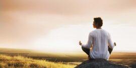 مدیتیشن یا مراقبه به معنای متمرکز کردن ذهن در بدن است که در آن شخص به آرامی توجه را به درون خود می برد تا به آرامش جسمی و ذهنی دست پیدا کند. مدیتیشن تمرکز، آرامش و همچنین کاهش درد و افزایش بهبودی سلامت انسان را به همراه دارد. مدیتیشن تبدیل شدن به فردی متفاوت، فرد جدید، و یا حتی یک فرد بهتر نیست این در مورد آموزش آگاهی و درک حس سالم است سعی نمی کنید افکار و احساسات خود را خاموش کنید یاد می گیرید بدون قضاوت به آنها نگاه کنید و در نهایت، ممکن است شروع به درک بهتر آن ها نیز کنید.