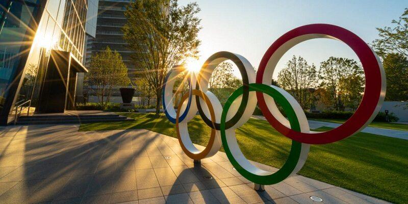 در جلسه هیئت اجرایی کمیته بین المللی المپیک با عضویت کامل فدراسیون بین المللی سامبو و به رسمیت شناختن این رشته در IOC موافقت شد. به گزارش یاریزان و با اعلام فدراسیون انجمن های ورزش های رزمی ، بر اساس جلسه هيات رييسه كميته بين المللي المپيک در لوزان سوييس سامبو بعنوان عضو کامل توسط IOC مورد شناسايی قرار گرفت. مهمترين گام و تلاش براي تمامی فدراسيونهای بين المللی مرحله IOC recognation است تا زير نظر كميته بين المللی المپيك فعاليت نمايند و براي ورود به برنامه اصلی بازي ها آماده شوند. لازم به ذکر است رشته های آیکیدو و سومو که در ایران زیر نظر فدراسیون انجمن های ورزش های رزمی فعالیت دارند نیز در سنوات قبل به عضویت کامل کمیته بین المللی المپیک در آمده بودند.